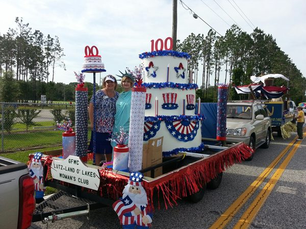 prize-winning-float-4th-july-2013-2