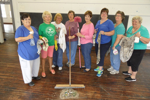 Old Lutz School Cleanup